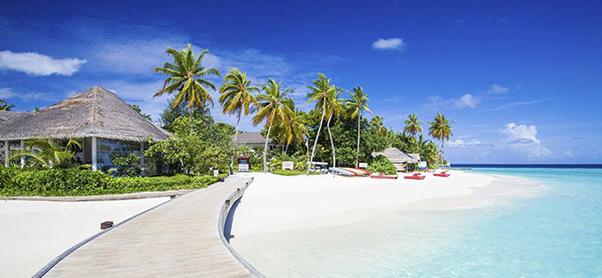 Centara grand island resort spa for Piani cottage sulla spiaggia su palafitte